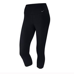 Nike Capri Leggings Black Dri Fit
